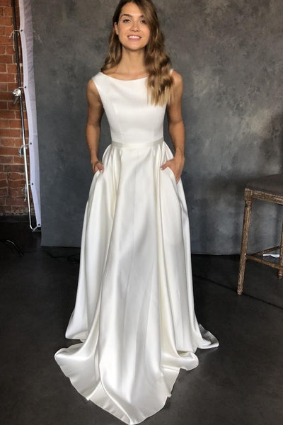 clean-satin-sleeveless-bridal-dresses-with-pockets