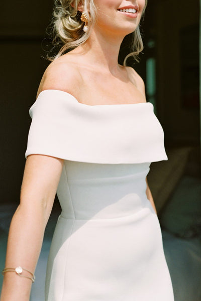 elegant-mermaid-wedding-dress-with-wrapped-off-the-shoulder-3
