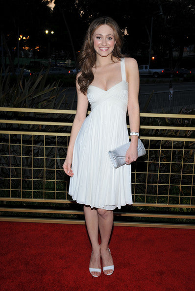 emmy-rossum-sleeveless-little-white-cocktail-dress