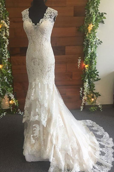 Fit Flare Classic Lace Wedding Dresses With V Neckline