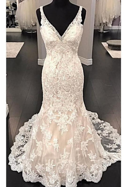 fit&flare-v-neck-wedding-dress-lace-beaded-backless