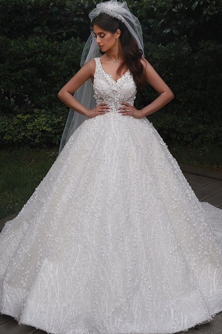 Classic Lace Ivory Mermaid Wedding Dress Beaded V-neckline