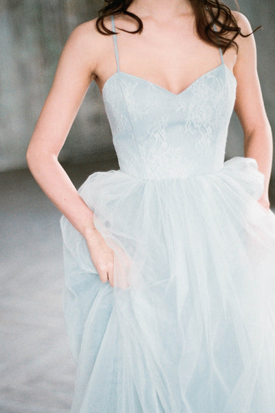 gray-blue-chantilly-lace-wedding-dresses-tulle-skirt