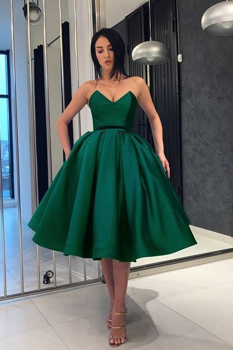8acf8ab3779 green-satin-short-prom-dresses-with-plunging-sweetheart