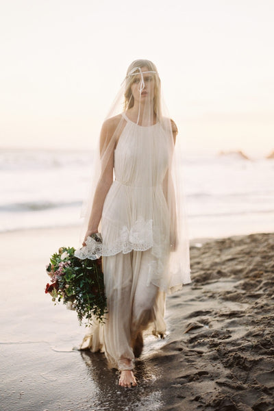 halter-strap-casual-wedding-dress-for-beach-2