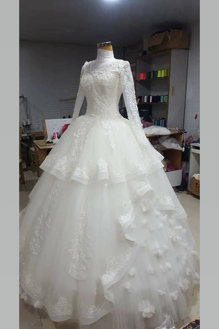 Long-sleeved Muslim High Collar Wedding Gowns with Lace Pearls