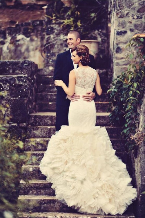 illusion-lace-mermaid-wedding-dress-with-tierd-ruffles-train