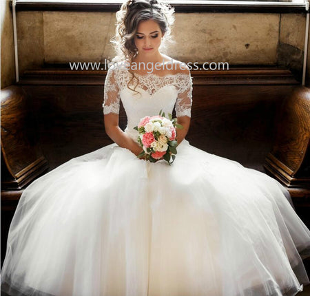 Boat Neck 3/4 Sleeves Satin Wedding Gown with Pockets