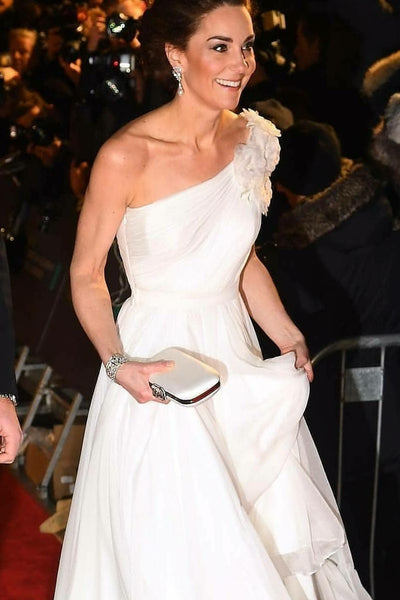 kate-middleton-chiffon-evening-dress-with-single-shoulder-design-3