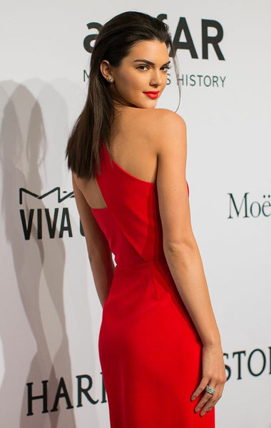 kendall-jenner-red-carpet-dresses-with-slit-side