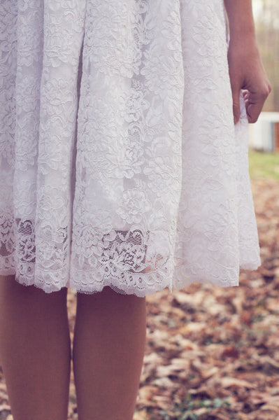 knee-length-wedding-dresses-with-lace-short-sleeves-2
