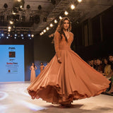 krystle-dsouza-long-sleeves-prom-dress-bombay-times-fashion-week-2018-3