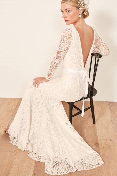 A-line Floral Lace Appliques Wedding Gown with V-neckline