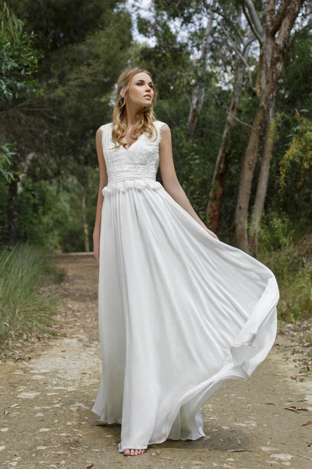 A-line Bohemia Chiffon Wedding Dress with Flutter Sleeves