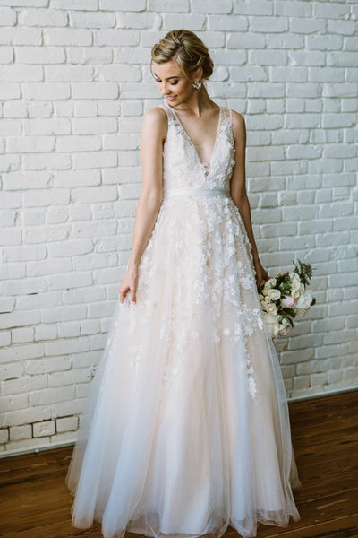 lace-pearls-sleeveless-floral-wedding-dresses-with-v-neckline