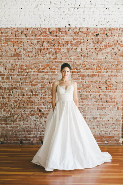 lace-sweetheart-taffeta-ivory-wedding-gown-dress-with-spaghetti-straps-1
