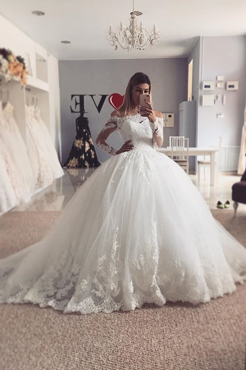 lace-tulle-ball-gown-long-sleeved-wedding-dress-off-the-shoulder