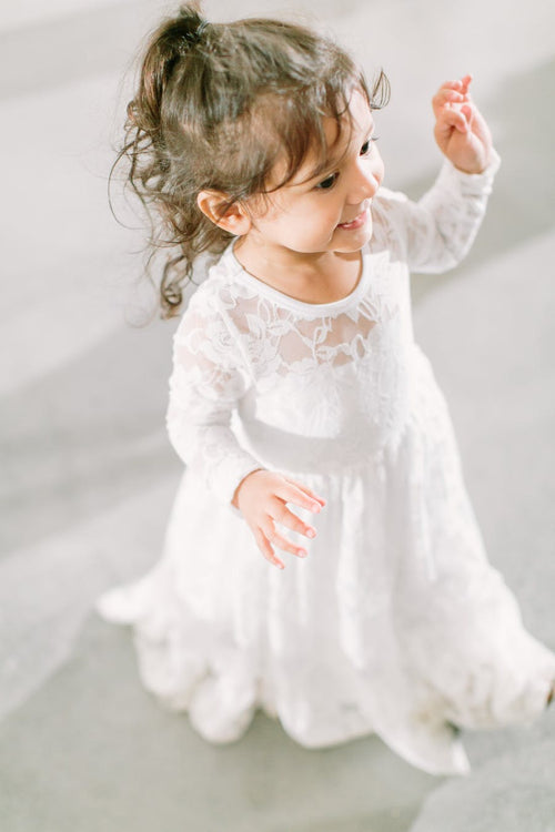 long-sleeves-floor-length-lace-flower-girls-dress-for-winter-wedding