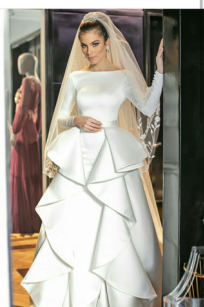 long-sleeves-white-wedding-gown-with-flounced-skirt
