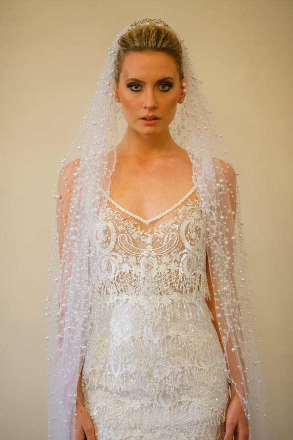 luxurious-pearls-wedding-veil-chapel-length-1
