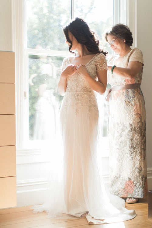 luxury-pearls-and-crystals-wedding-dresses-with-short-sleeves