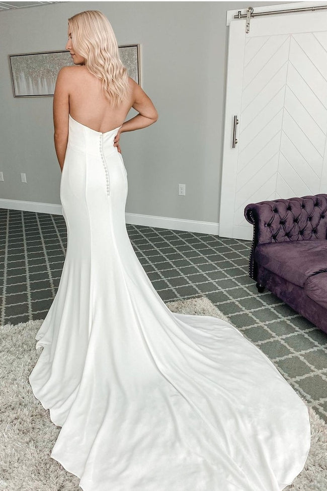 mermaid-style-wedding-gown-with-jewelry-halter-neckline-1