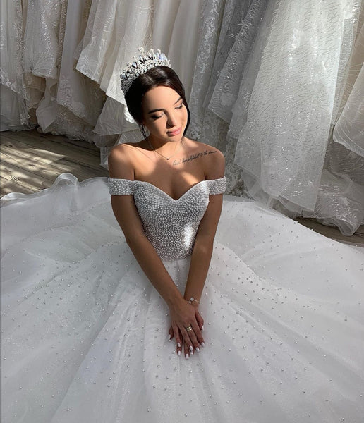 off-the-shoulder-pearls-bride-dress-with-cathedral-tail-2