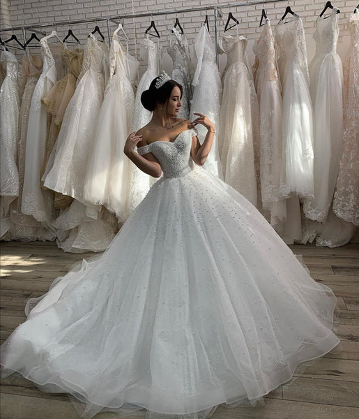off-the-shoulder-pearls-bride-dress-with-cathedral-tail-3