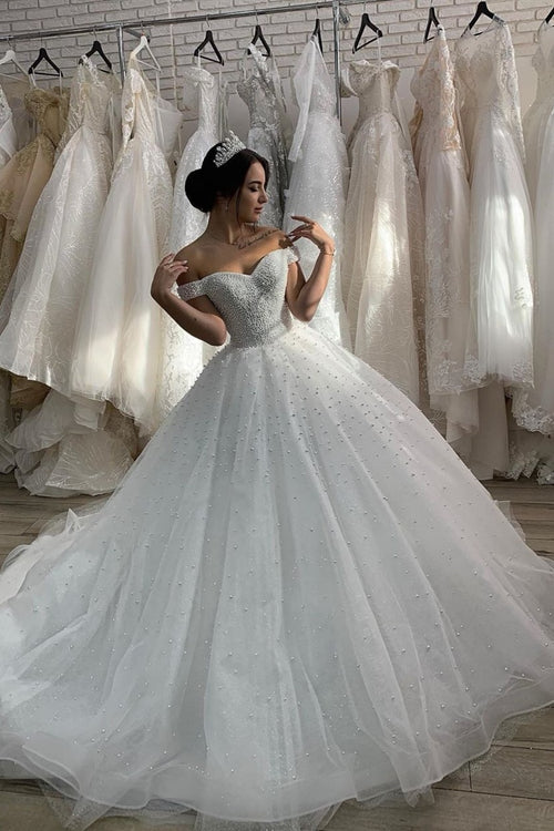 off-the-shoulder-pearls-bride-dress-with-cathedral-tail