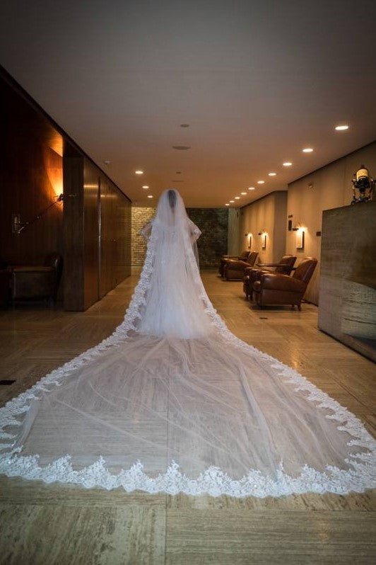 one-layer-long-wedding-veil-with-lace-edge-1