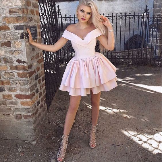 pink-satin-homecoming-dress-short-tiered-skirt-vestido-de-formatura-2