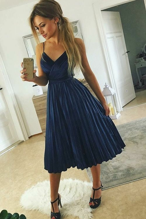 pleated-v-neckline-dark-blue-homecoming-party-dress-semi-formal-gown
