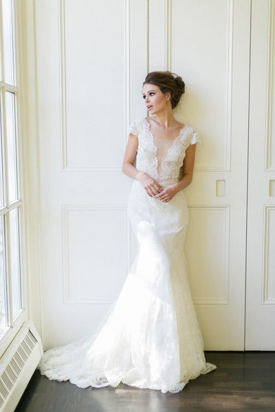 plunging-v-neck-trumpet-wedding-dress-lace-cap-sleeves-vestido-de-noiva-de-renda