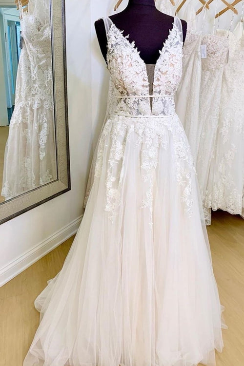 plunging-v-neckline-lace-tulle-bride-dresses-with-ribbon-bands
