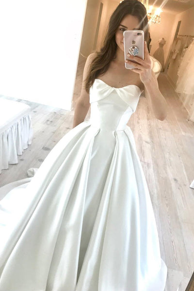 ruching-strapless-satin-bridal-dresses-with-textured-skirt