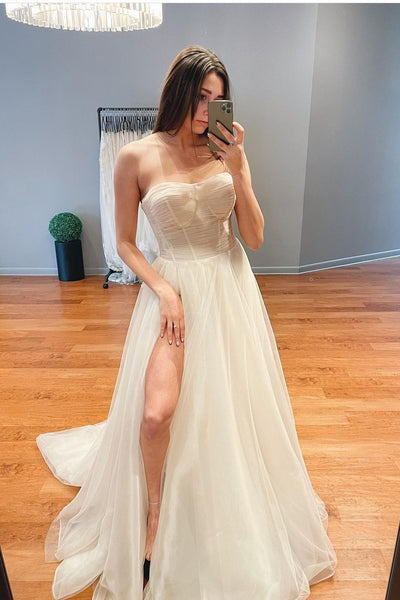 ruching-strapless-wedding-dress-with-tulle-skirt