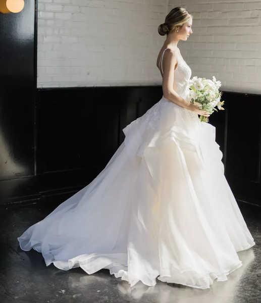 ruffled-organza-ball-gowns-wedding-dresses-lace-v-neckline-vestido-de-baile-1