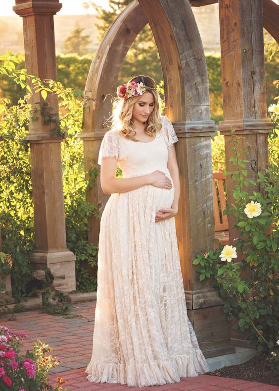 lace-pregnancy-dress-with-short-sleeves