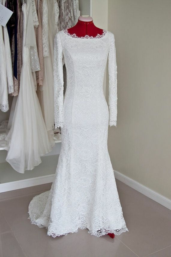scoop-neck-lace-winter-modest-wedding-dress-long-sleeves-1