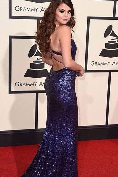 selena-gomez-swift-red-carpet-sequined-dress-at-the-58th-annual-grammy-awards-2