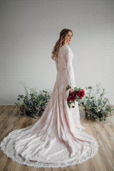 sheer-long-sleeves-lace-modest-bride-dress-wedding-2018-novia-1