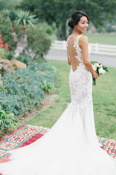 sheer-neckline-appliqued-lace-bride-outdoor-wedding-gowns-2018