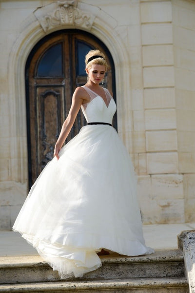 sheer-v-neckline-tulle-wedding-dress-with-black-belt
