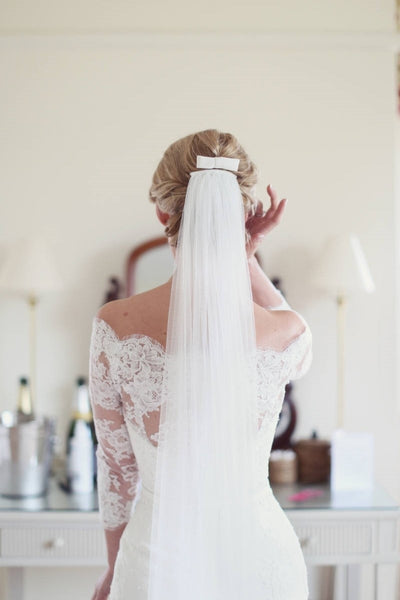 simple-bridal-illusion-tulle-chapel-length-wedding-veil-ivory-2