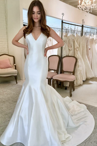 simple-mermaid-satin-wedding-gown-with-v-neckline