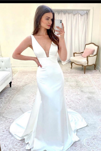 simple-satin-sheath-wedding-gown-with-sweep-train