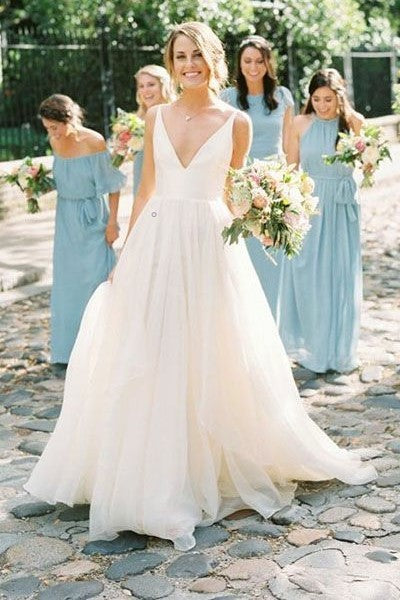 soft-chiffon-simple-boho-wedding-dresses-with-v-neckline