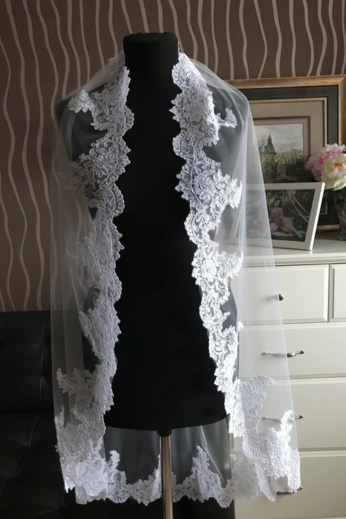 soft-tulle-1-layer-bridal-lace-veil-fingertip-length