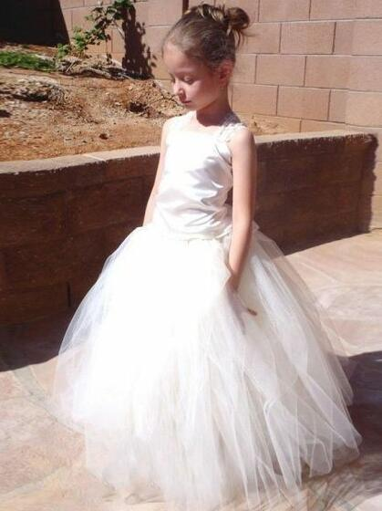 square-neck-lace-corset-flower-girls-dresses-with-puffy-tulle-skirt-1
