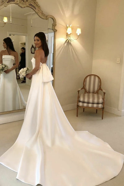 strapless-satin-bride-wedding-dress-with-watteau-train